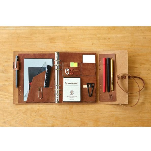 <KAKURA>一枚革で巻き込むデザイン/紐巻きA5システム手帳