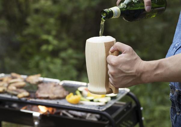 高い保温性で飲み物の美味しさをキープ