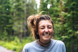 笑顔が人間関係にもたらす3つの効果&ステキな笑顔の作り方