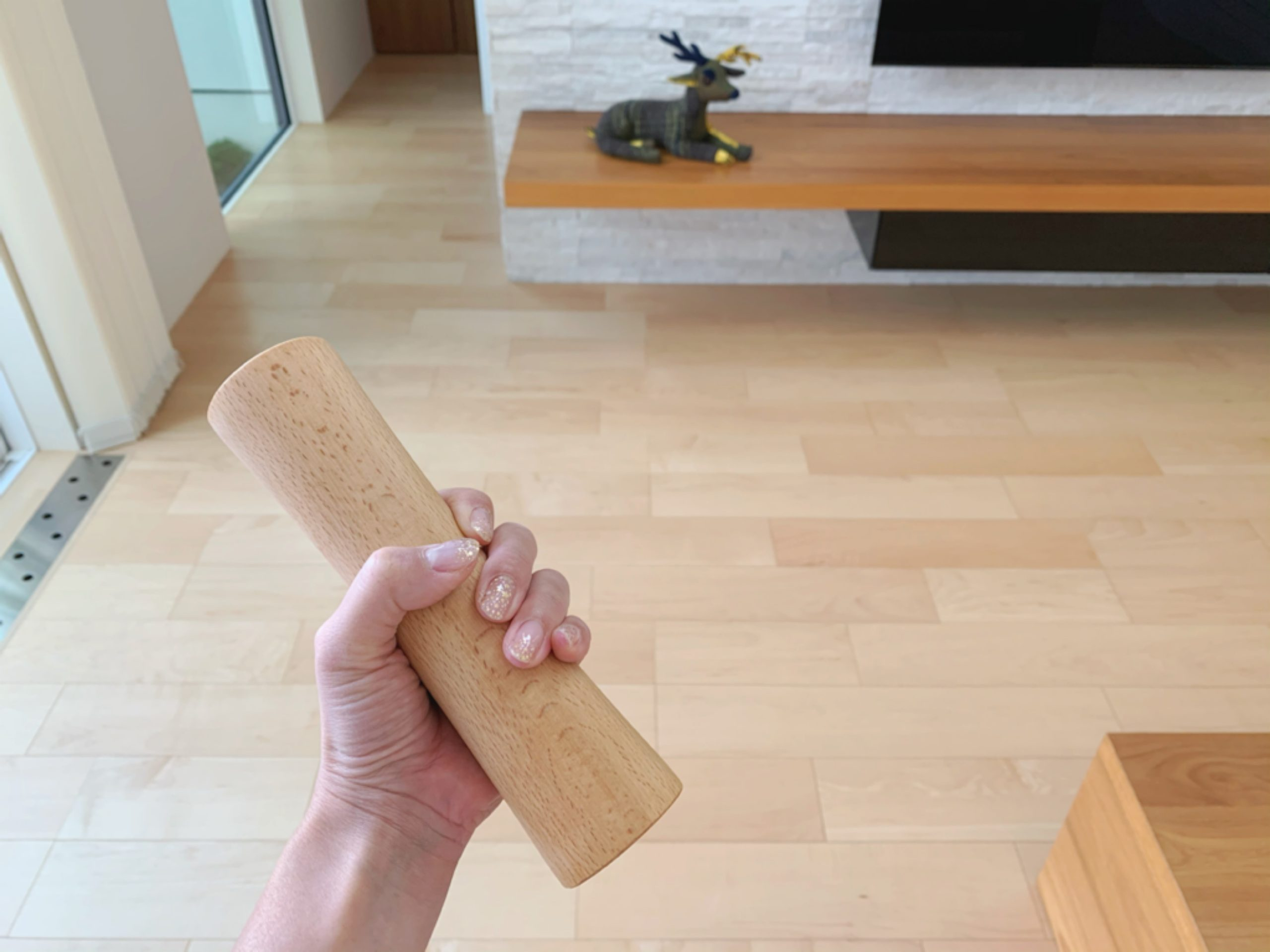 インテリアになじむ木製ダンベル