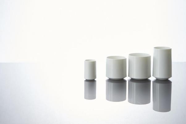 miyamaブランドの白磁のカップ