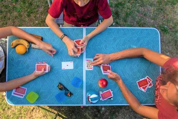 お庭キャンプにぴったりなQUECHUA(ケシュア)のテーブル