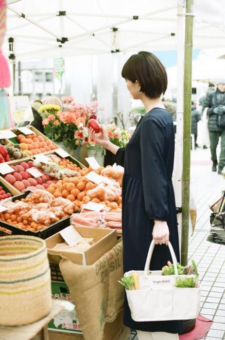 「VegieBAG(ベジバッグ)」野菜を持ち運ぶことを考えて作られたバッグ