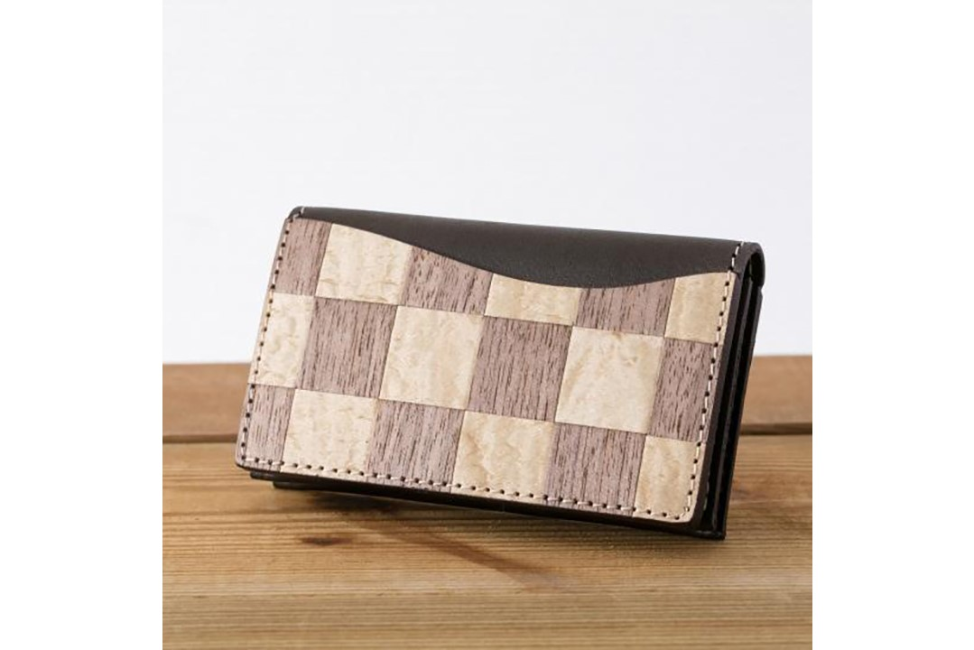 市松模様がおしゃれな上質な革の名刺ケース