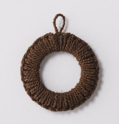 手編みで編み上げられた鍋敷き