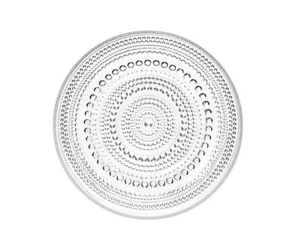 イッタラのカステヘルミで食卓を爽やかに。光を受けて輝くガラスの器