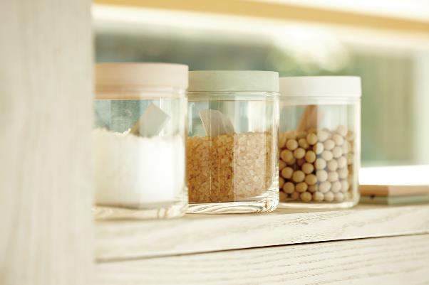 小麦粉などの粉ものの容器の中に