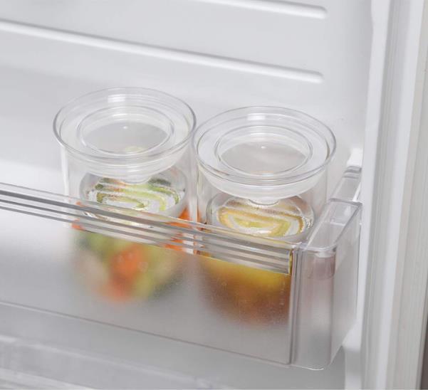 口径約90cmと名前の通りスリムな設計で、冷蔵庫のポケットにいれておける