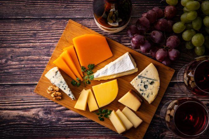 チーズの盛り付け一つでテーブルが変わる