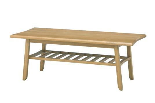 ボウ センターテーブルは、美しいオーク材を使用した角型のローテーブル