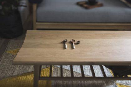 居心地のいいおしゃれな空間をつくる。オーク材のセンター テーブル