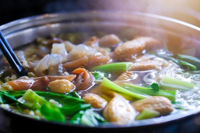 タイスキとは、日本のすき焼きとは違う、タイ風のしゃぶしゃぶに似たお鍋