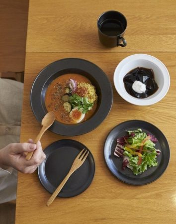 食器は料理の印象を大きく左右