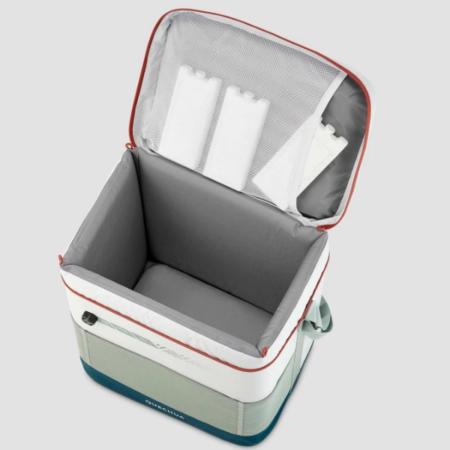 クーラーボックスで食材や飲料をしっかり冷やすには、保冷剤選びも重要