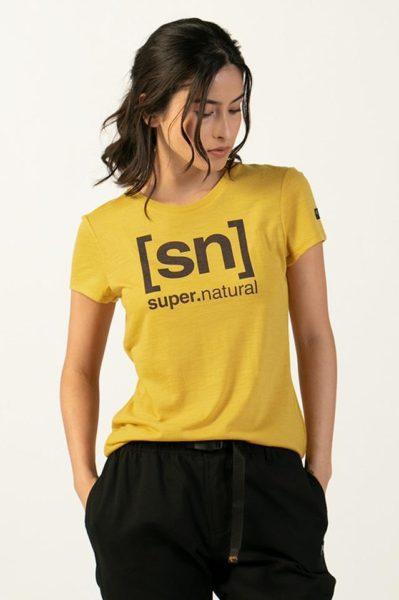 2パターンのシルエットから選べる。メリノウール混ロゴTシャツ