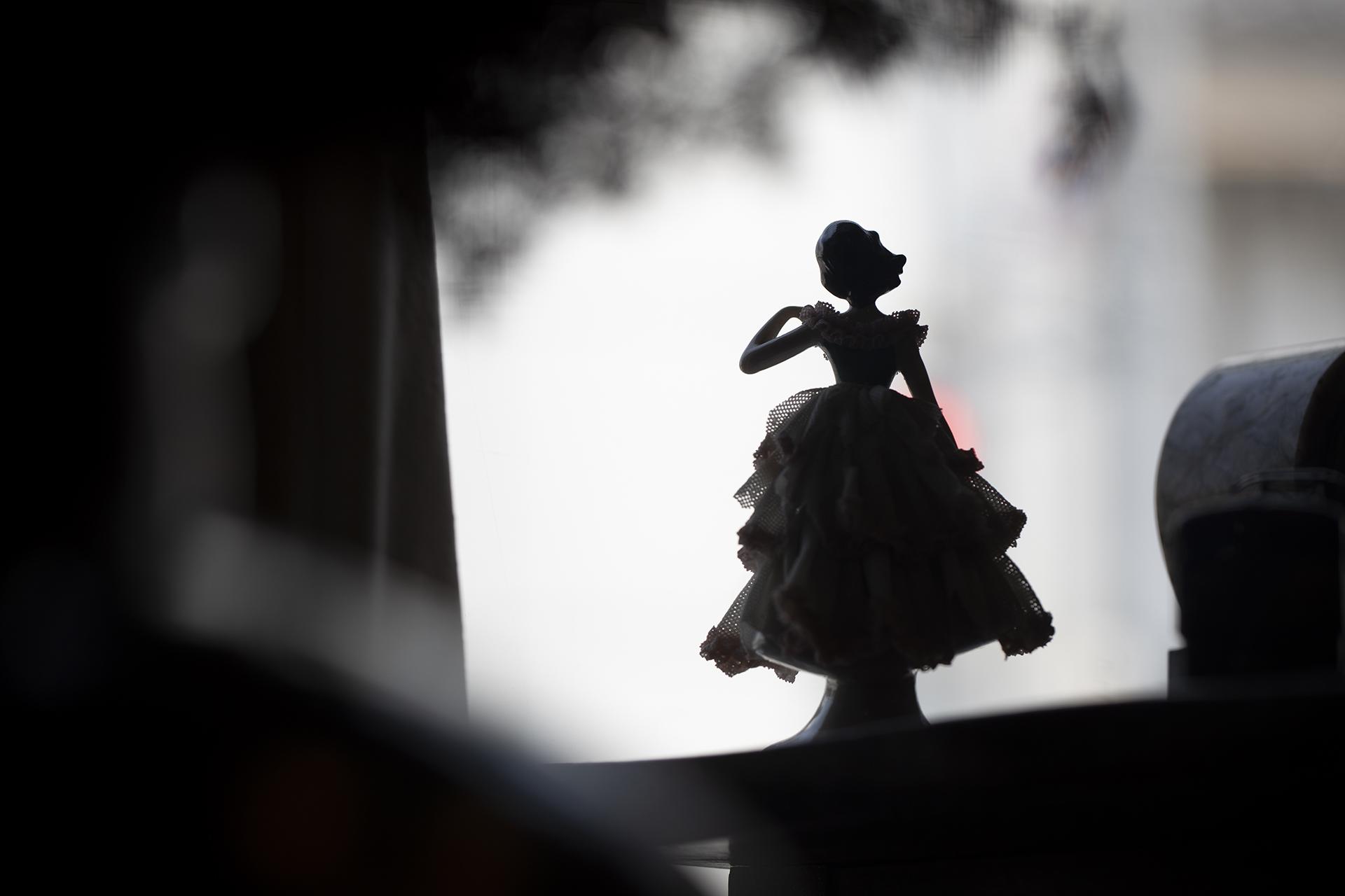 人形の背中