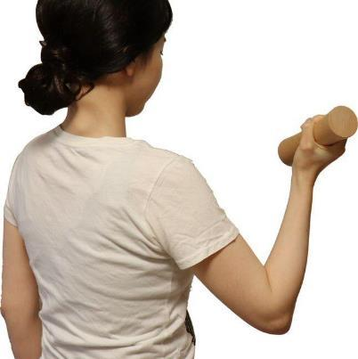 女性でも握りやすい太さの上、滑りにくい素材