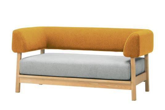オレンジや黄色など暖色系の家具は、空間を広く見せる
