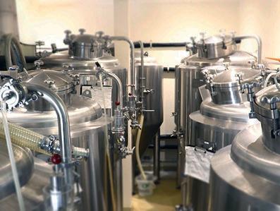 醸造や瓶詰めに使う機械