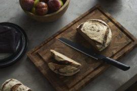 パンの美味しさを引き出す、上質なパン切りナイフ