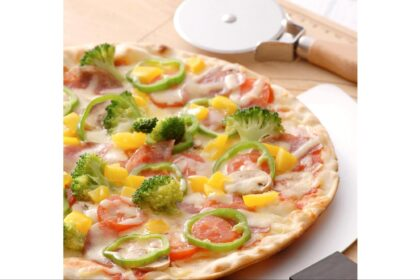 おうち時間に本格ピザを。自宅で石窯風に仕上がるピザメーカー
