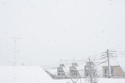 雪の降る景色