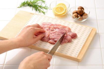 まな板の雑菌対策に。調理を効率化できる使い捨てまな板シート