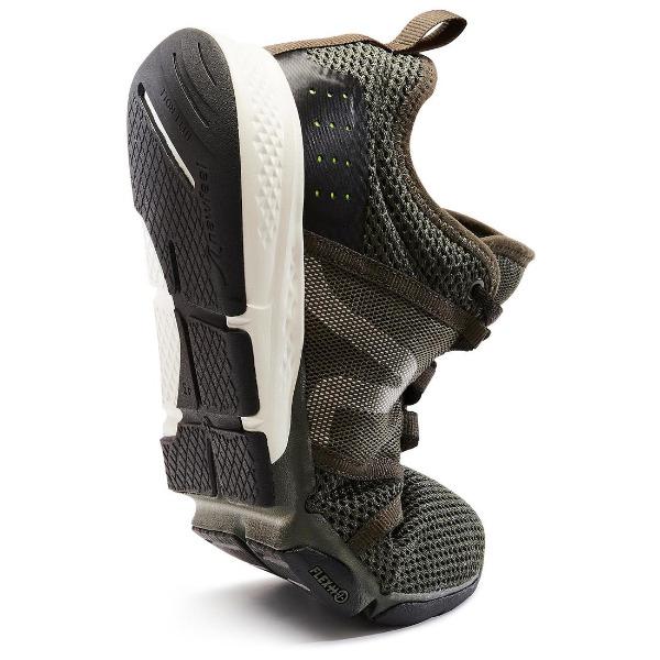 さらに履き心地を追求した柔軟性の高いスニーカー