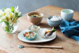 梅雨の食卓に彩りをプラス。気分を豊かにする涼しげなメニューとテーブルウェア