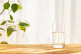 ミネラルウォーターをもっと知ろう。種類や特徴、目的別水の飲み方も紹介