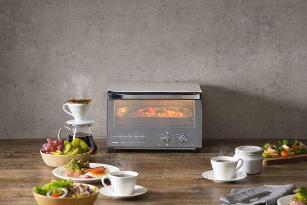 デザイン性を追求したミラーガラスオーブントースター
