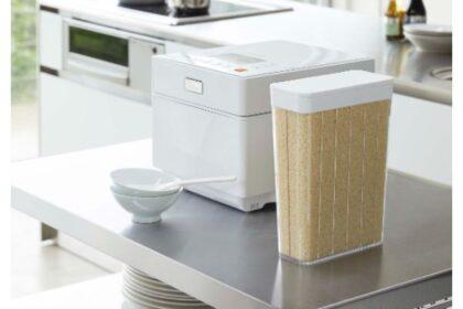 towerの冷蔵庫に入る米びつは1合分ずつ計量済みで手間要らず