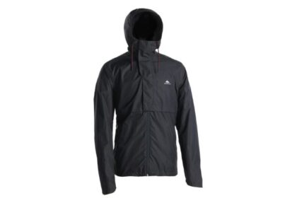 アウトドアや雨の日の運動に。デカトロンの登山・ハイキング防水ジャケット
