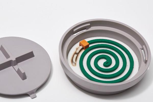 安全で使いやすいManhole(マンホール)の蚊取り線香台