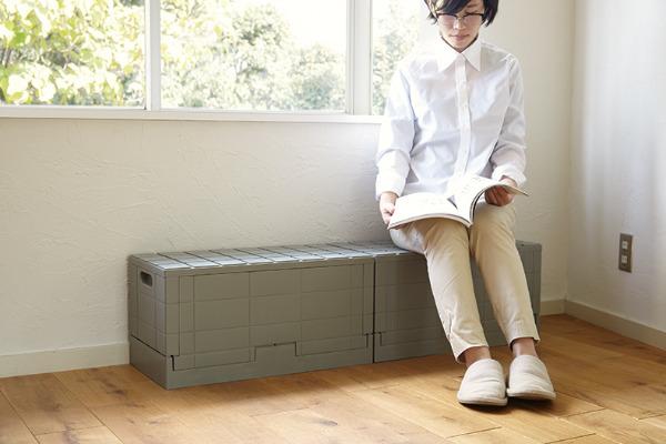 収納コンテナとしてだけでなくベンチやサイドテーブルとしても活用