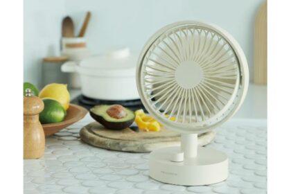 暑くなるキッチンや入浴後のクールダウンにおすすめのコードレス扇風機