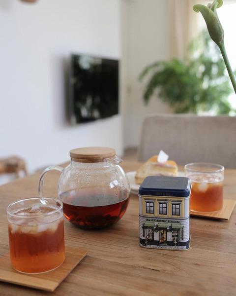 中国からの茶葉と世界中のフルーツ・花を使った北欧紅茶のブレンド