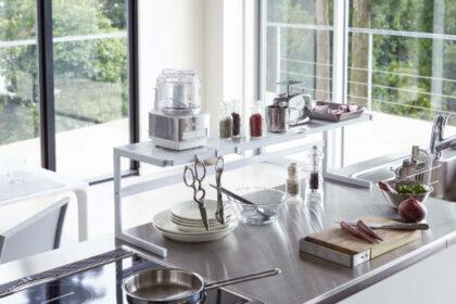 キッチンの作業スペースを快適にするtowerのサポートラック