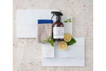 植物原料100%で安心。見た目もおしゃれなリビング掃除用洗剤